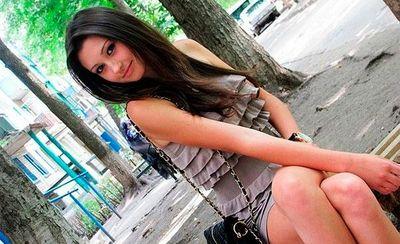 Русская девочка очень сильно захотела анального секса