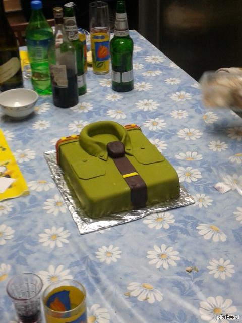 Тортик Сделали любимые женщины на 23 февраля)