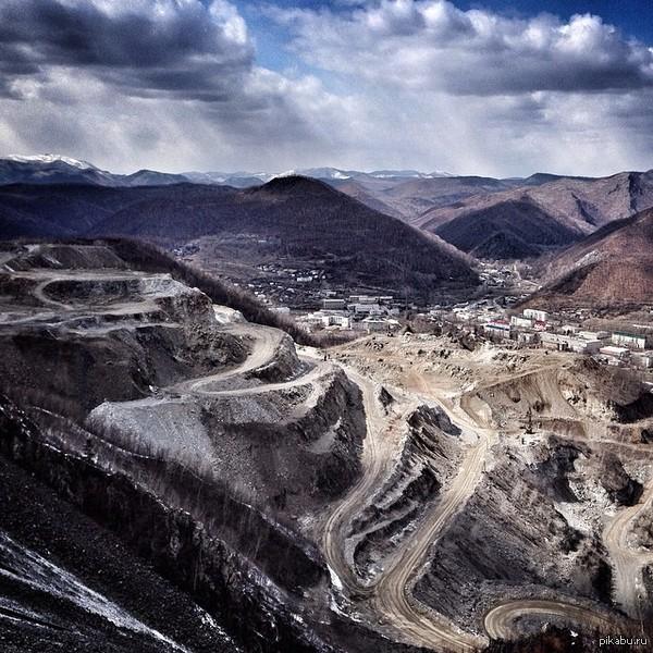 Друзья сделали снимок нашего городка с сопки. 05.04.2014 Дальнегорск