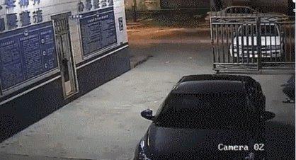 Грабителя подвез скутерист, правда он не говорил, что повезет его в полицейский участок..