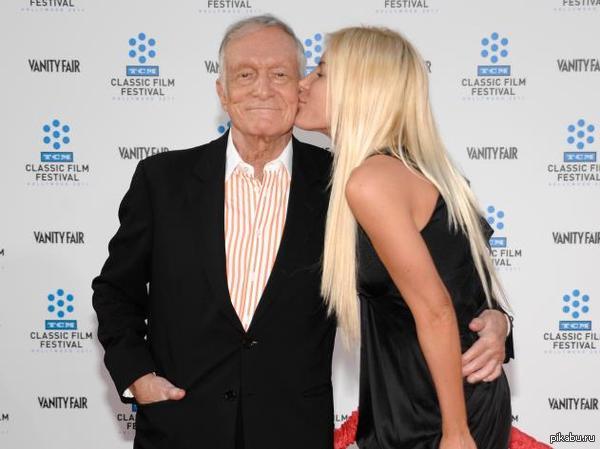 Хью Хефнер и его невеста Кристал Харрис: 60 лет разницы. Еще раз убедимся, что девушки не обращают внимание на внешность и возраст, ведь главное - богатый внутренний мир:)