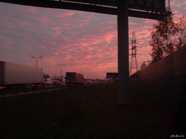 Очередной закат (Москва, давно) Мейнстрим - богу мейнстрима.