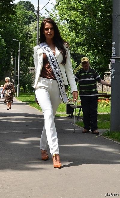 Мисс Украина Вселенная-2014 ну раз такая уж волна