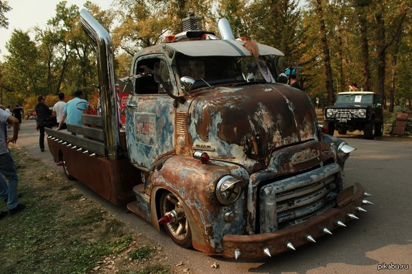 Rat road truck