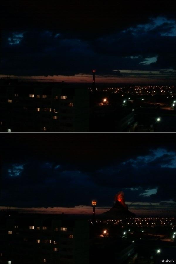 Сквозь балконное окно Око красное видно Закат пробудил воображение)