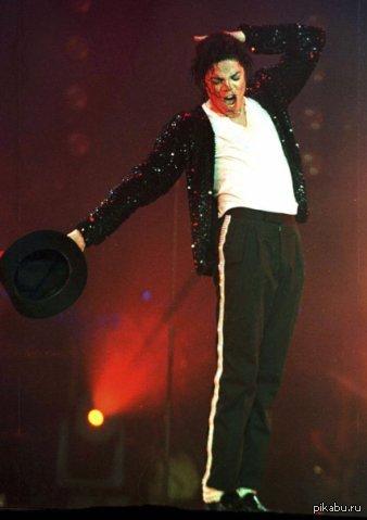 Сегодня День Рождения у короля поп-музыки - Майкла Джексона. Ему исполнилось бы 56 лет.
