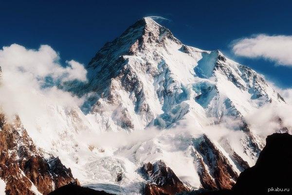 Чогори, пик К2 Вторая по высоте вершина мира (8611 м.), расположена на территории Кашмира в горной системе Каракорум