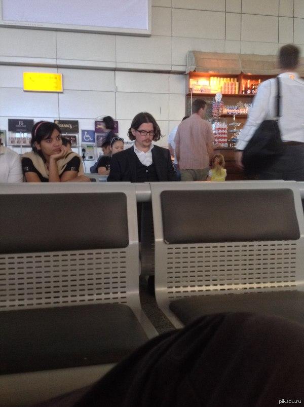 В аэропорту Алматы Джонни?
