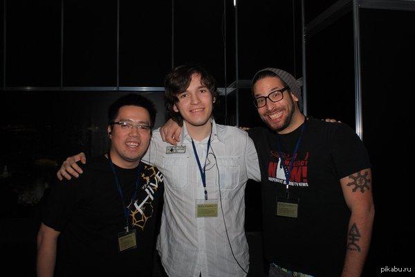 """Игромир 2010, создатели Deus Ex Human Revolution (и я :3) К посту <a href=""""http://pikabu.ru/story/faktyi_o_videoigrakh_2_2427688"""">http://pikabu.ru/story/_2427688</a> - на фото можно увидеть Джонатана Жак-Бельтета, прототип Адама Дженсена (он арт-директор игры)."""