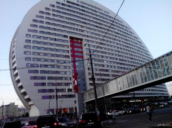 Лига детективов, прошу помощи! Необходимо узнать в какой стране находится это здание. Поиск Гугл.Картинки не предлагать. :)