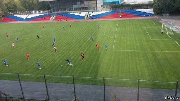 Раз все хвастаются видами с рабочего места, вот мой: PS - это стадион РУДН, с которым граничит ФНКЦ Рогачева, в котором я работаю.