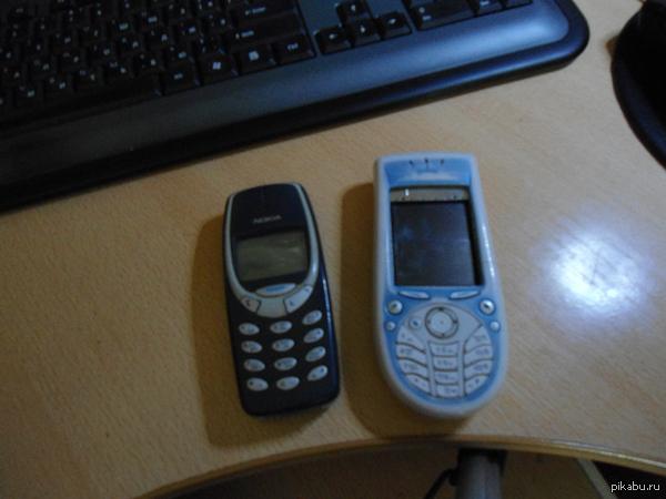 А вот два моих первенца, nokia 3310 и 3660. Столько воспоминаний:3 Первым у меня был 3310, к сожалению он отжил свое, 3660 включается только на 3 секунды =(