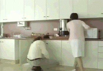 Когда у жены руки не из плеч
