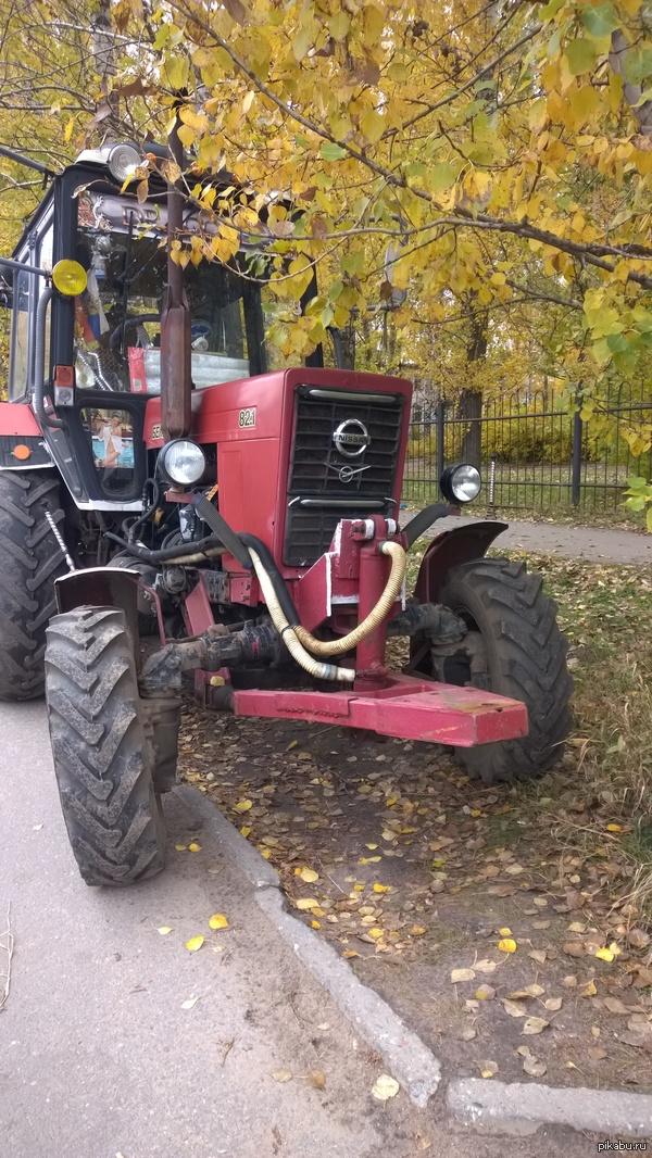 Немногие знают, что получится, если соединить Nissan и УАЗ.   Но ответ найден, получится трактор  Беларус P.S. Шутки за 300 в комментарии не писать