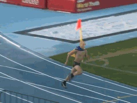 Путин победил в 100 метровом забеге :D