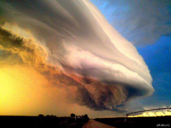 Серьёзная тучка у природы нет плохой погоды
