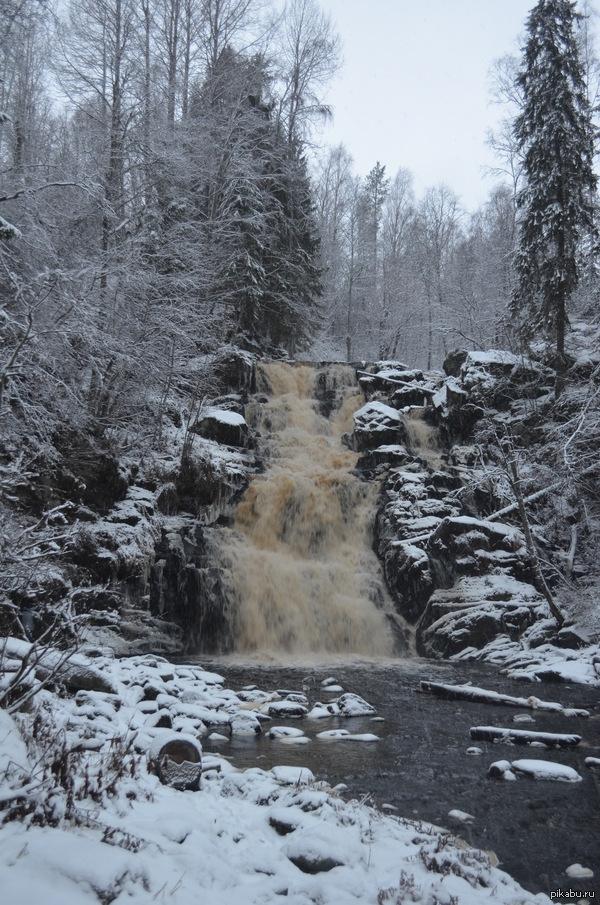 """Всем красот природы! Водопад """"Белые мосты"""", Карелия. По-фински Юканкоски. Высота 18 метров."""