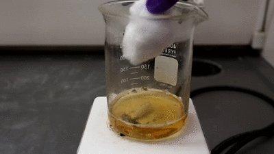 """Смесь """"пиранья"""" Состоит из серной кислоты и перекиси водорода; используется для растворения органики."""