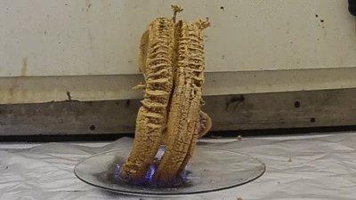 "Фараонова змея: термическое разложение тиоцианата ртути (II) Гифок на эту тему не мало, но мне понравился рост ""змеи"" после ее ""разрушения""."