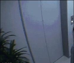 Пранк в лифте, а теперь представь что это случилось с тобой.
