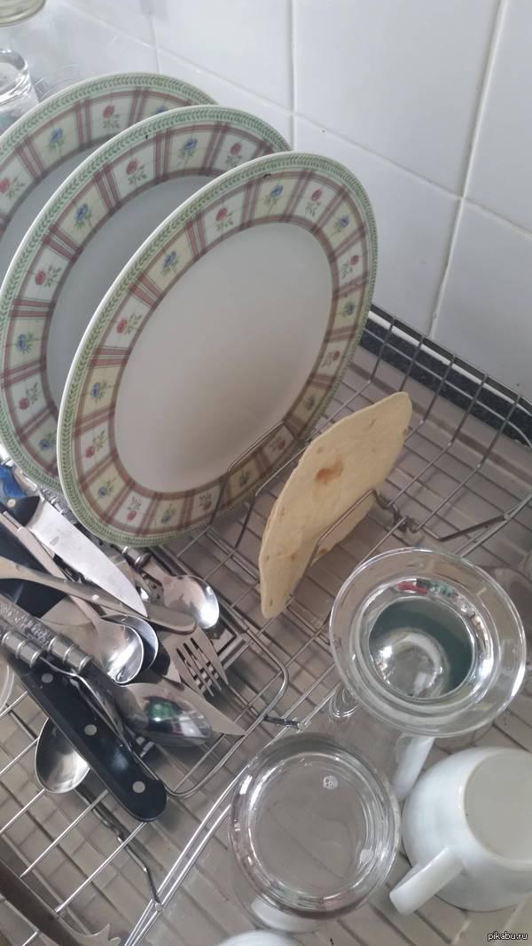 Когда пьяным моешь посуду