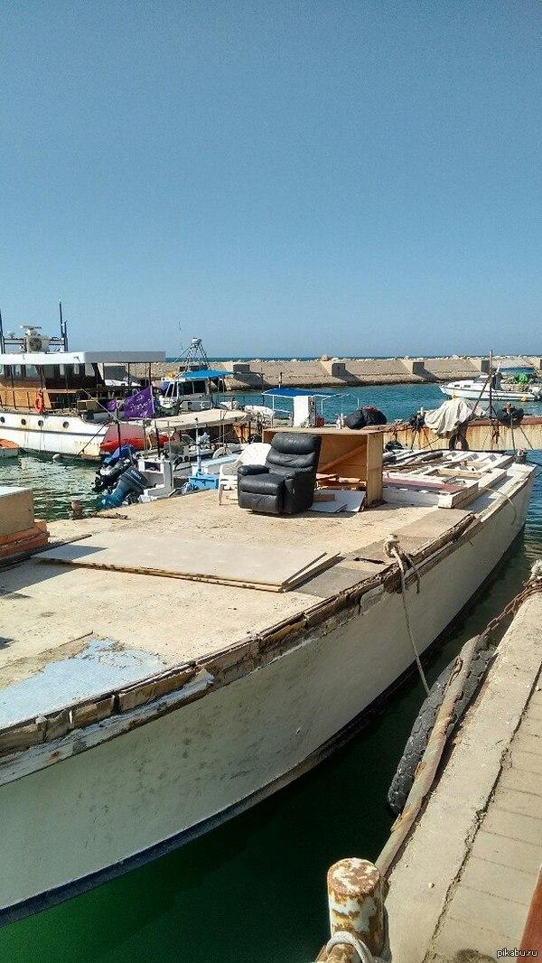 Когда и так хорошо. (Порт Яффа, Израиль.)