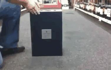Упаковка бутылки коньяка за $ 20000 (каждая бутылка эксклюзивная, процесс ее создания в комментах)