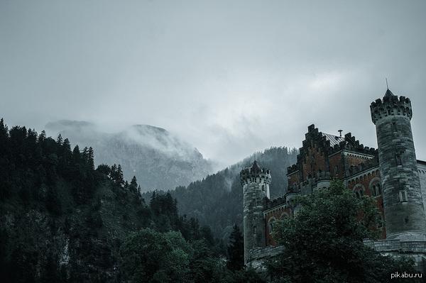Замок Нойшванштайн Фото самого красивого и монументального баварского замка (г.Фюссен, германия).