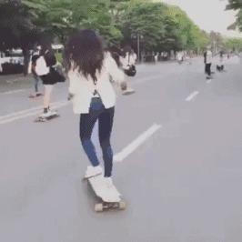 Крутяк) Скейтбордистка