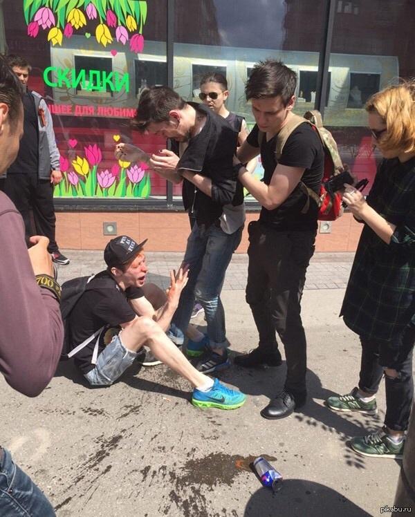 Как сегодня в Москве гей-парад проходил)