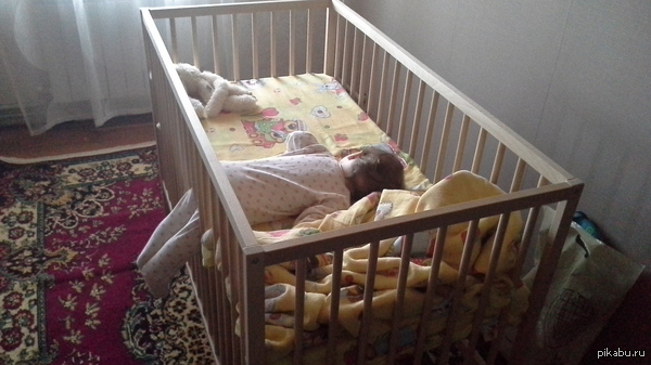 """Просто дочь устала, и уснула """"как есть"""""""