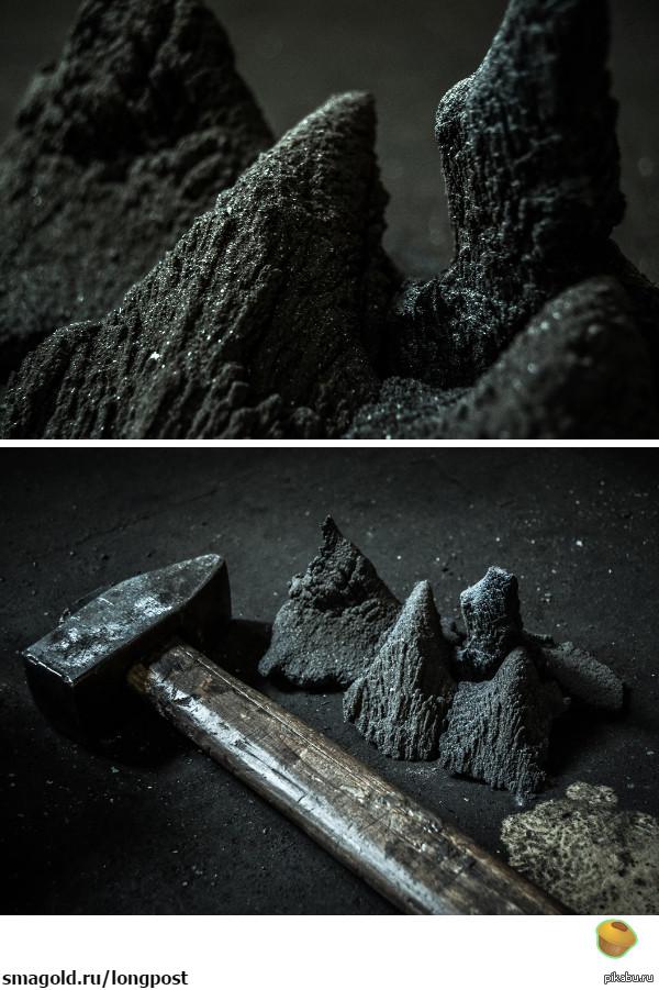 """Абразивные """"горы"""" Результат многолетнего скопления металлической пыли в дальних углах кузницы х)  Выглядит красиво"""