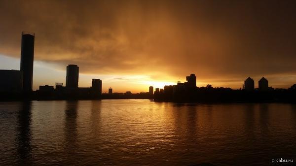 Немного вечернего Екатеринбурга