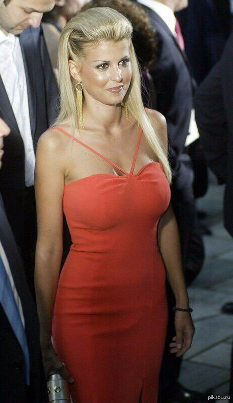 Греческий политик Елена Рапти