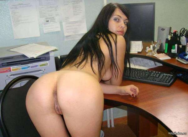 секретарша без трусиков стоит раком фото