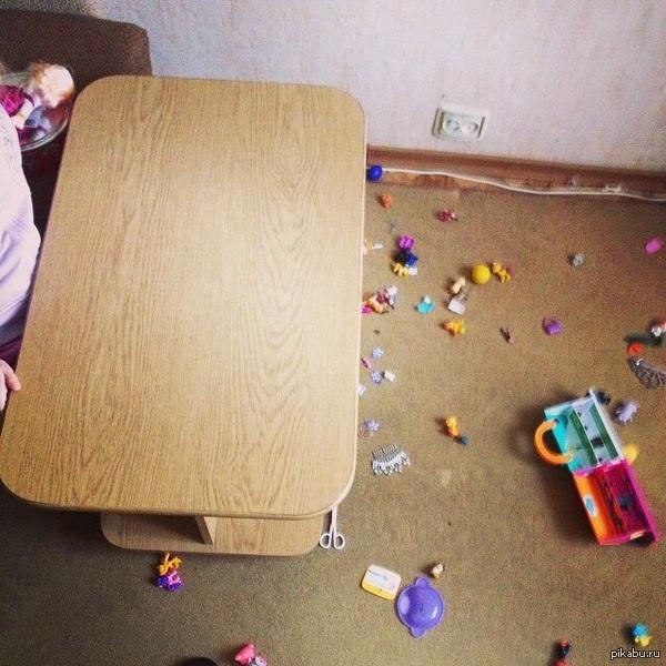 Попросил дочь убрать со стола