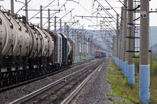На железной дороге тоже бывают пробки (стырено из ВК)