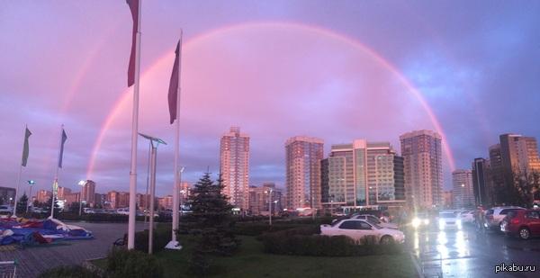 В Красноярске случился четный закат с двумя радугами