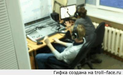 """Почему нужно убирать елку вовремя? В ответ на пост <a href=""""http://pikabu.ru/story/_3655080"""">http://pikabu.ru/story/_3655080</a>"""