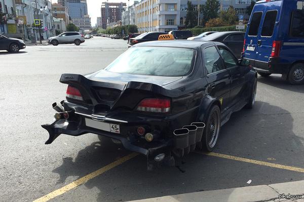 Необычное такси в Екатеринбурге Номер замазала на всякий :)