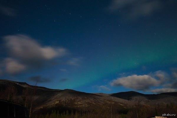Горы, ночь, полярное сияние Сделал кадр 26.09.2015 в Хибинах