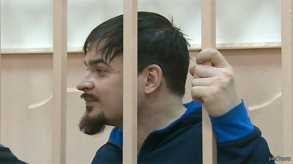 Это Максим Марцинкевич, он же Тесак, с волосами и бородой.  Теперь вы видели все.