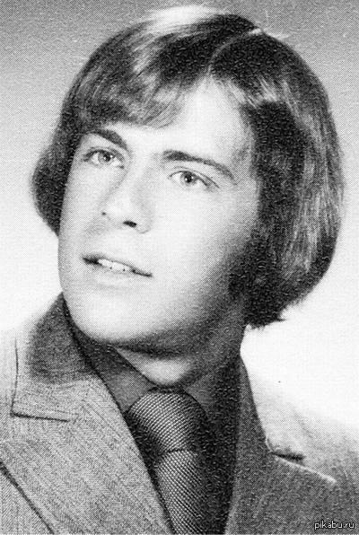 Брюсс Уиллис мог бы сыграть Люка Скайокера о_О На момент выхода в прокат Новой Надежды Брюсу Уиллису было 22 года.