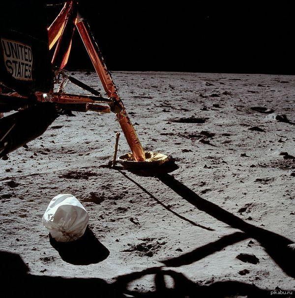 Главное научное достижение землян на сегодняшний день это возможность выбрасывать мусор на другую планету