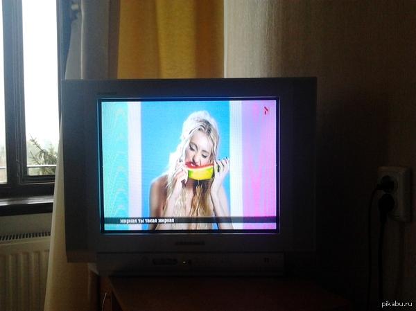 Смотрел я как-то телевизор или о силе независимых арбузов. А он взял и завис, на достаточно интересном моменте или что показывают по телику...