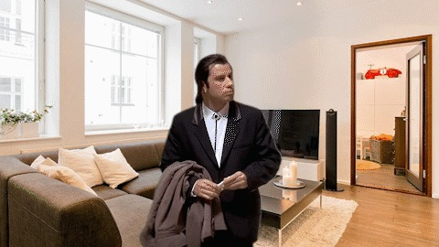 Когда не знаешь куда повесить свою куртку в гостях.