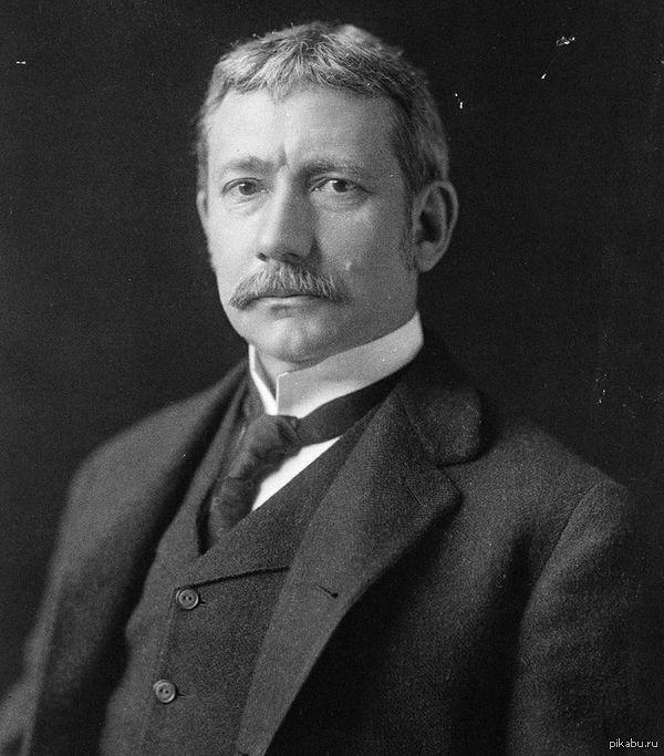 Ватсон был Госсекретарем США Блуждал по википедии нашел сходство, Элиу Рут - 38-й Государственный секретарь США