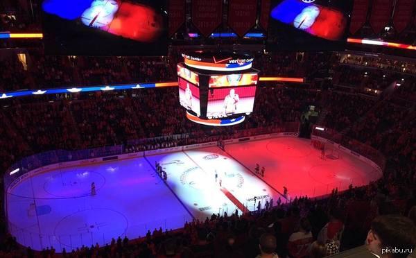 Хоккейная команда Вашингтон Кэпиталз выразила соболезнования в связи с терактами в Париже Ледовая площадка перед матчем