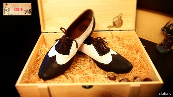 """И ещё пара обуви, что пошита в ручную=) Этой паре уже несколько месяцев, но выкладываю только сейчас.  Делалась, как женские, вдохновлялись обувью """"30х годов"""".  Полностью ручная работа=)"""