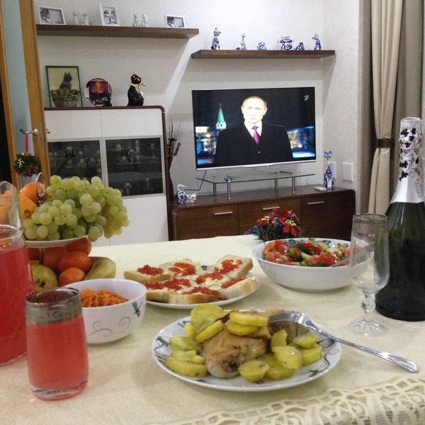 Всех с Новым Годом! Новый Год, Одиночество, Праздничный стол, Путин, Один встречаю